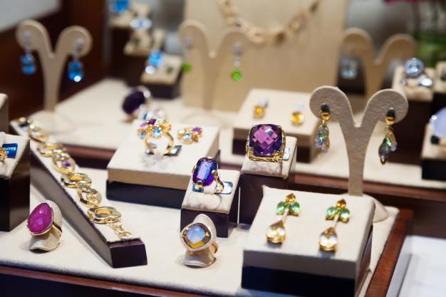 Tidens trends i smykker: Pernille Corydon, Stine A & Maanesten