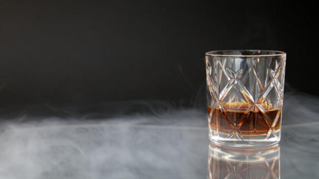 Derfor skal du eksperimentere med at købe whisky